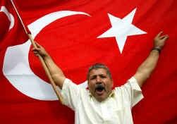 In Ankara betoogden Turkse nationalisten gisteren tegen de start van de toetredingsonderhandelingen met de EU.