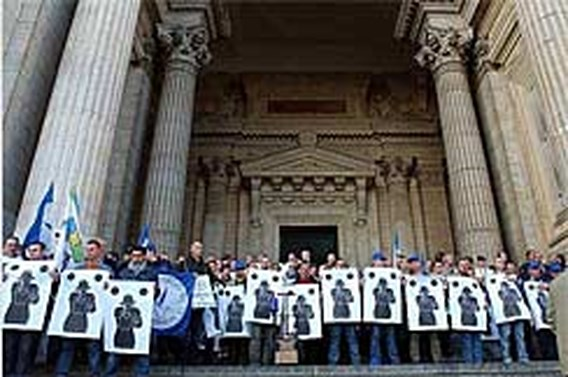 Agenten manifesteren tegen uitspraak zaak-Hammani