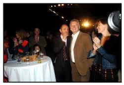 De SP.A feestte zaterdag voor haar nieuwe voorzitter, al mag de oud-voorzitter niet klagen over een gebrek aan belangstelling.