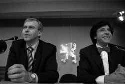 Yves Leterme (l.) en Elio Di Rupo: een grote eensgezindheid, behalve over communautaire onderhandelingen.