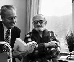 Marc Galle (links) in 1978 met zijn goede vriend Marnix Gijsen van wie hij al sinds 1984 de erfenis beheert. Gestolen, vindt de familie.