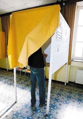 Zware stem helpt bij verkiezingen