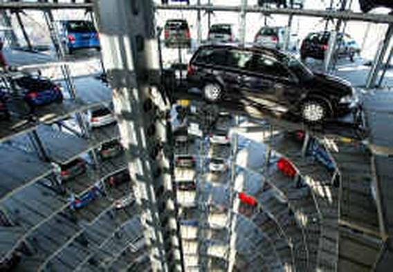 Meer winst, minder volk bij VW