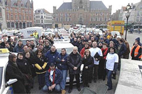 Rijschoolinstructeurs voeren actie in Brugge