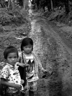 Inheemse kinderen die sterven aan metaalvergiftiging na extreme watervervuiling, veroorzaakt door ontspoorde mijnbouw: op de Filipijnen is dat helaas realiteit.