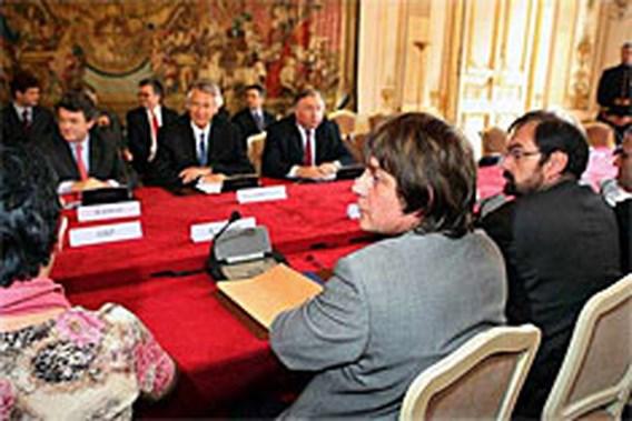 Overleg bonden en Franse premier levert niets op