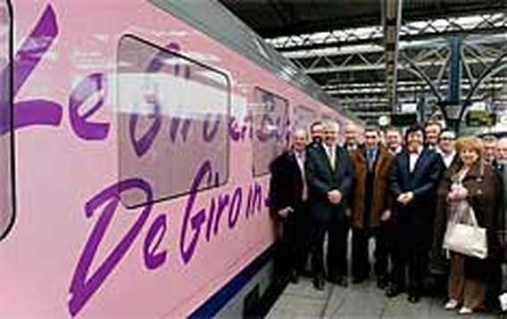 Di Rupo blij met roze trein