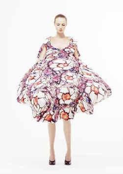 Een jurk van de Brusselse ontwerpster Cathy Pill.