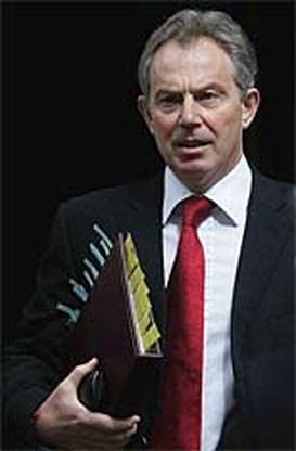 Kabinet Blair bijeen in crisissfeer