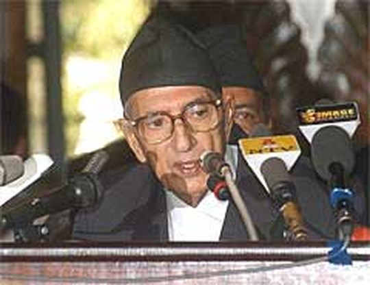 Premier Nepal presenteert kabinet