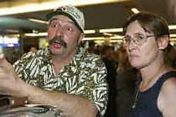Michel en Suzy Vaq Hauve: berooid terug in België.