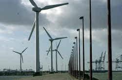 Voor de kust van Zeebrugge ligt al een windmolenpark.