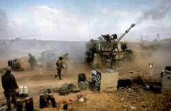 Vanuit grensstad Zaura bestoken Israëlische legereenheden het zuiden van Libanon met zwaar artillerievuur.