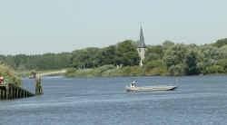 Het gemeentebestuur beseft dat het watertoerisme voor Sint-Amands erg belangrijk is.