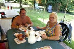 Jacky en Theresa Schol uit Leuven hebben al zo'n twee jaar een stacaravan op de Baalse Heide.   Louis Verbraeken