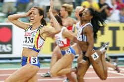 Kim Gevaert schreeuwt het uit nadat ze zich tot koningin van de Europese sprint heeft gekroond.