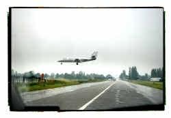 Volgens Georges Allaert, hoogleraar ruimtelijke planning van de Universiteit Gent, moeten de regionale luchthavens hun rol herdefiniëren. ,,Ze moeten meer motoren worden voor de regionale economie.''