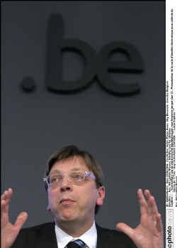 Volgens premier Guy Verhofstadt zal elk niveau zijn steentje moeten bijdragen.