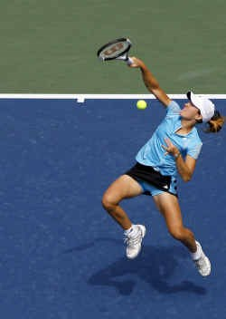 Justine Henin stond tegen Peer amper 50 minuten op het terrein.