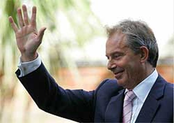 Blair treedt binnen het jaar af