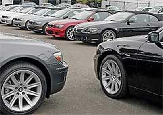 Mercedes verkoopt meer, BMW minder auto´s