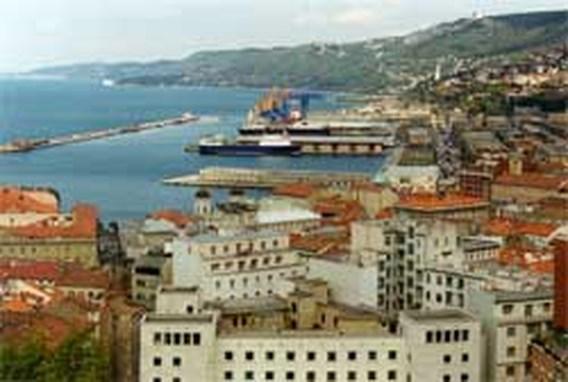Gezin in Trieste leeft jarenlang op afvalberg