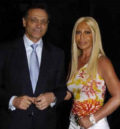 SPRAAKMAKERS. Giancarlo Di Risio, de man die Versace van de ondergang redde