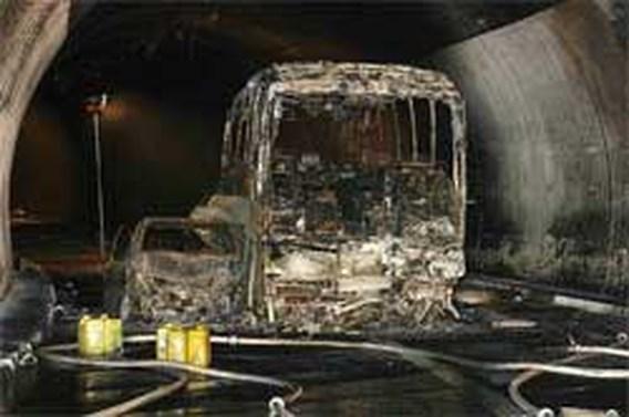 Zeker zes doden bij verkeersongeval Zwitserse tunnel