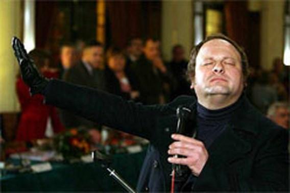 Gewezen FN-gemeenteraadslid veroordeeld voor Hitlergroet