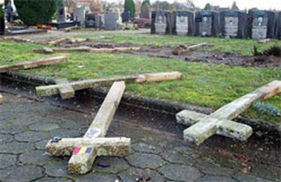 300 graven vernield in Gentbrugge