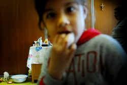 Buurtbewoners bevestigen dat wat in de Roma gebeurt de verzuring tegengaat. Ze zijn blij dat er eens iets positiefs in de buurt gebeurt.