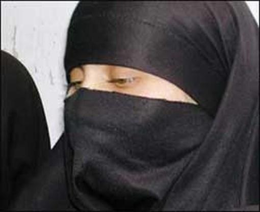 Niqab in rechtszaal mag van Britse rechters