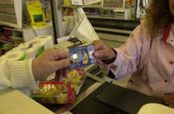 Winkeliers zeggen bankkaart de wacht aan