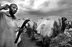 Eén op de vier van de ruim 300.000 teruggekeerde vluchtelingen uit Congo en Tanzania heeft in Burundi geen plek, geen huis, geen akker en dus eigenlijk geen leven.
