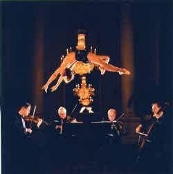 Sam Taylor-Wood, ,,Strings'', 2003.