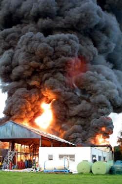 Bij de brand in 2001 had de brandweer de vlammen pas na vier dagen onder controle.