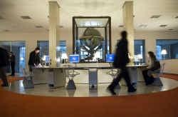 Met de Gutenberg-ingang wil de bibliotheek ,,een toegangspoort zijn naar Europa en de wereld''.