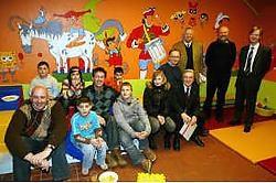 Met de hulp van Kiwanis werd de grote zaal van het opvangcentrum omgebouwd tot een heuse speelstad voor de kinderen.Vacas