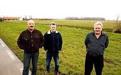 Het buurtcomité van de Beekstraat met Paul De Meyer (vlnr), Johan Matthys en Paul Mortier kant zich fel tegen de komst van het bedrijf.Vacas