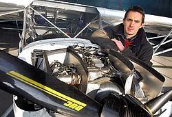 ,,Het algemene principe van de motor lijkt op dat van een motor van een Volkswagen,, zegt Russel Pescod. <br>Patrick Holderbeke
