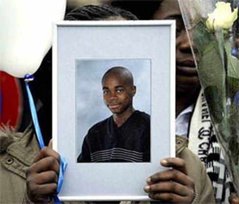 Zeker 1.500 man op begrafenis slachtoffer steekpartij Binche