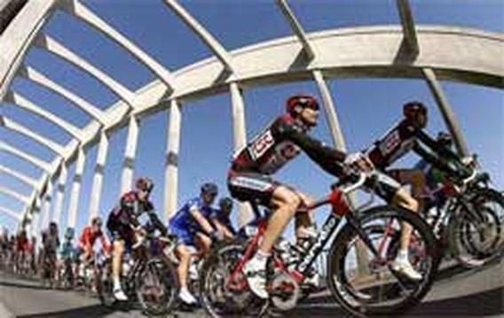 Deelnemende ploegen Parijs-Nice stappen naar TAS