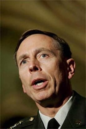 Pentagon denkt aan Petraeus als NAVO-opperbevelhebber