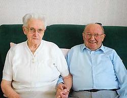 Roger Vercruysse en Magriet Claeys zijn al meer dan twee jaar op zoek naar een tweepersoonskamer in een rusthuis in de buurt. Bart Vandenbroucke