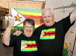 'Mammie' Marianne Boute en 'pappie' Thierri Lippens steken de feestvlaggen uit: 'Ik sprong een gat door het plafond toen ik het nieuws vernam.' Vacas