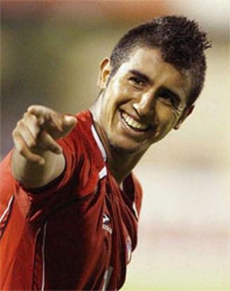 Leverkusen legt Chileense verdediger Vidal vast