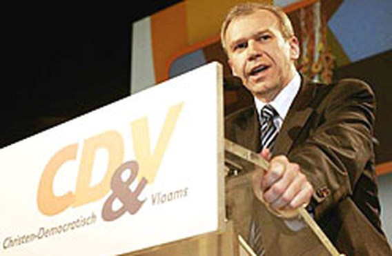 CD&V/N-VA veruit de grootste in peiling Le Soir