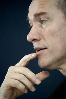 Vandenbroucke valt De Wever aan