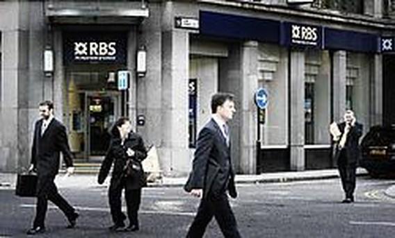 Britse bank RBS staat deel van activa af