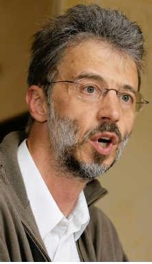Maurits Deridder: 'Dat één vezeltje asbest volstaat voor kanker<br> is larie.'<br>Frederiek <br>Vande Velde
